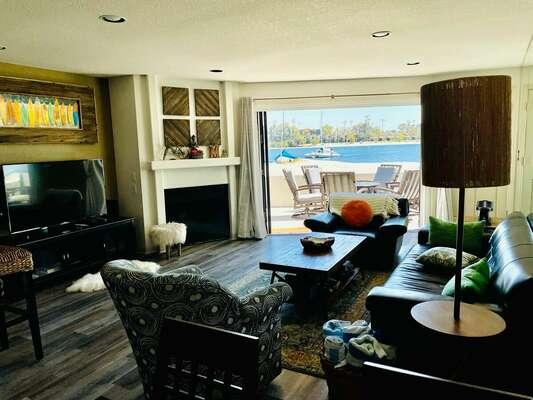 Living room - panoramic doors wide open!