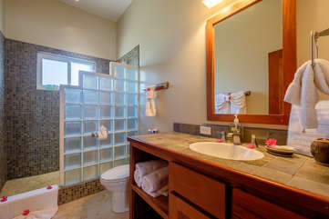 Indigo Belize 4B Master Bathroom 2
