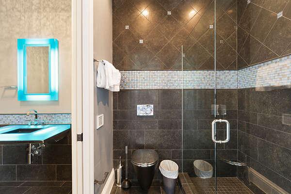 En-suite bathroom attached to NASA room.