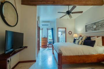 2nd bedroom with private en-suite bathroom