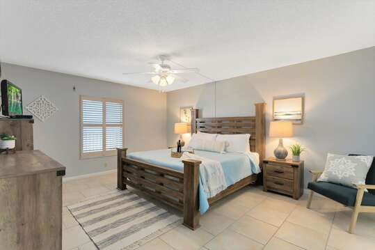 Relax in this huge master bedroom (has a TV, ensuite & closet for your convenience)