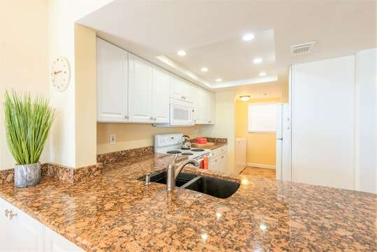 Spacious and renovated kitchen for those who love to cook!