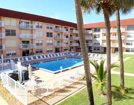 Beautiful Spanish Main complex with heated pool