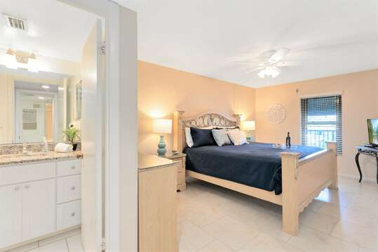 Master Bedroom with ensuite and large walk in closet