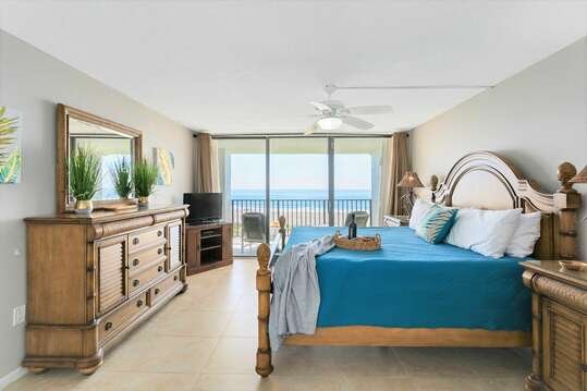 Hear the sound of the waves on the beach from your king bed! Master bedroom also has TV, ensuite and walk in closet