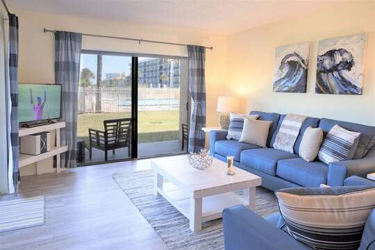 Bight corner 3 bedroom condo - closest CT condo to the ocean!