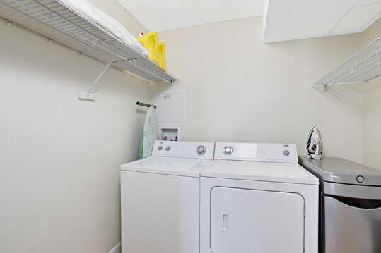 Full size in unit washer & dryer