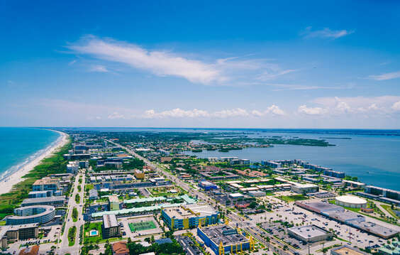 Overview of the beautiful Cocoa Beach & Cape Canaveral