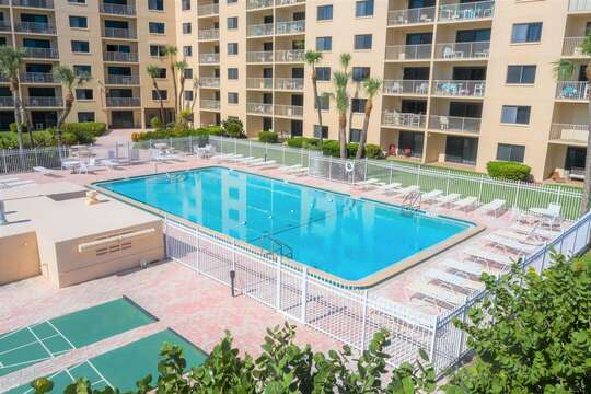 Amenities include: 2 shufflebaord courts, putting green, sauna & heated pool