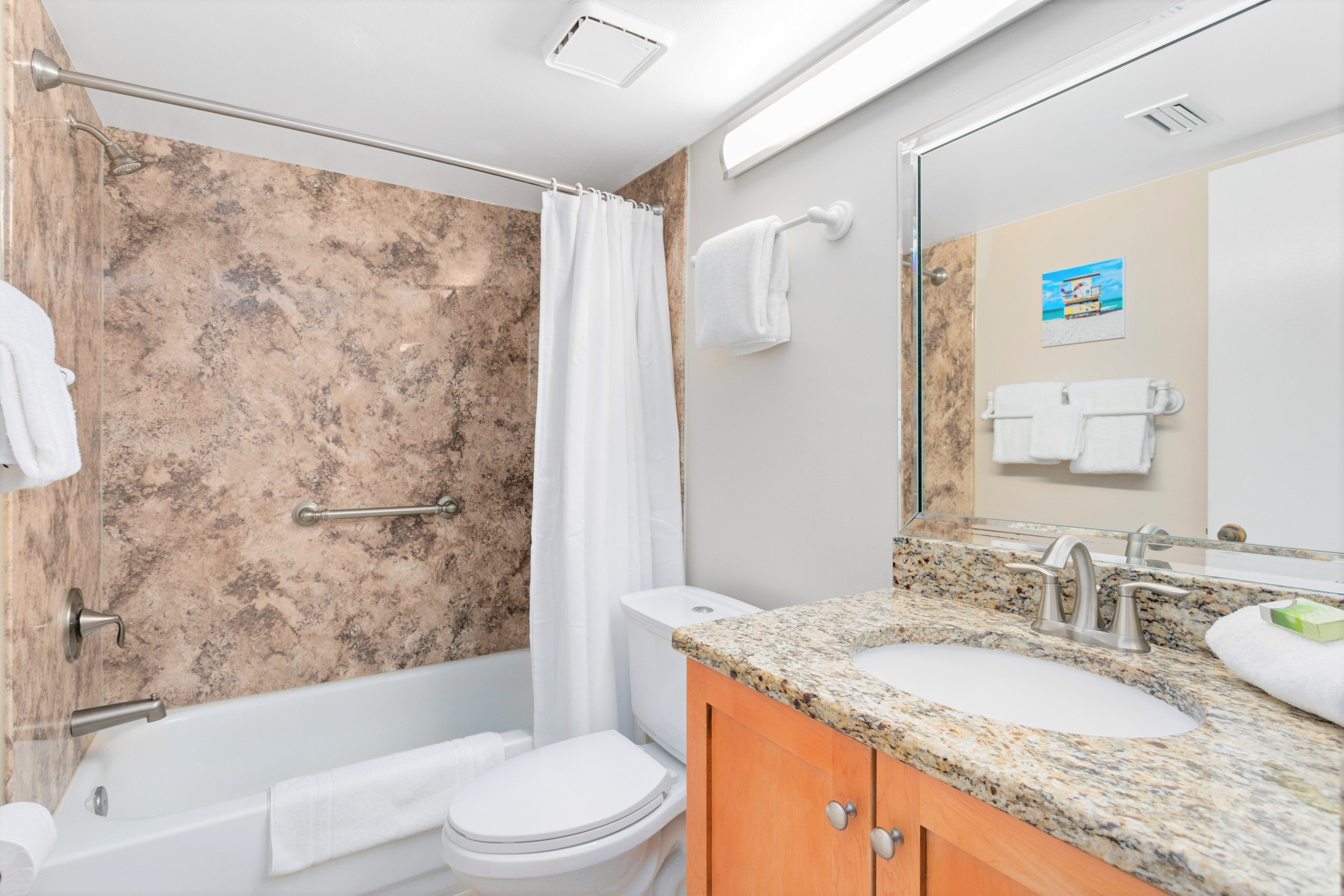 Completely renovated guest bathroom with tub/shower