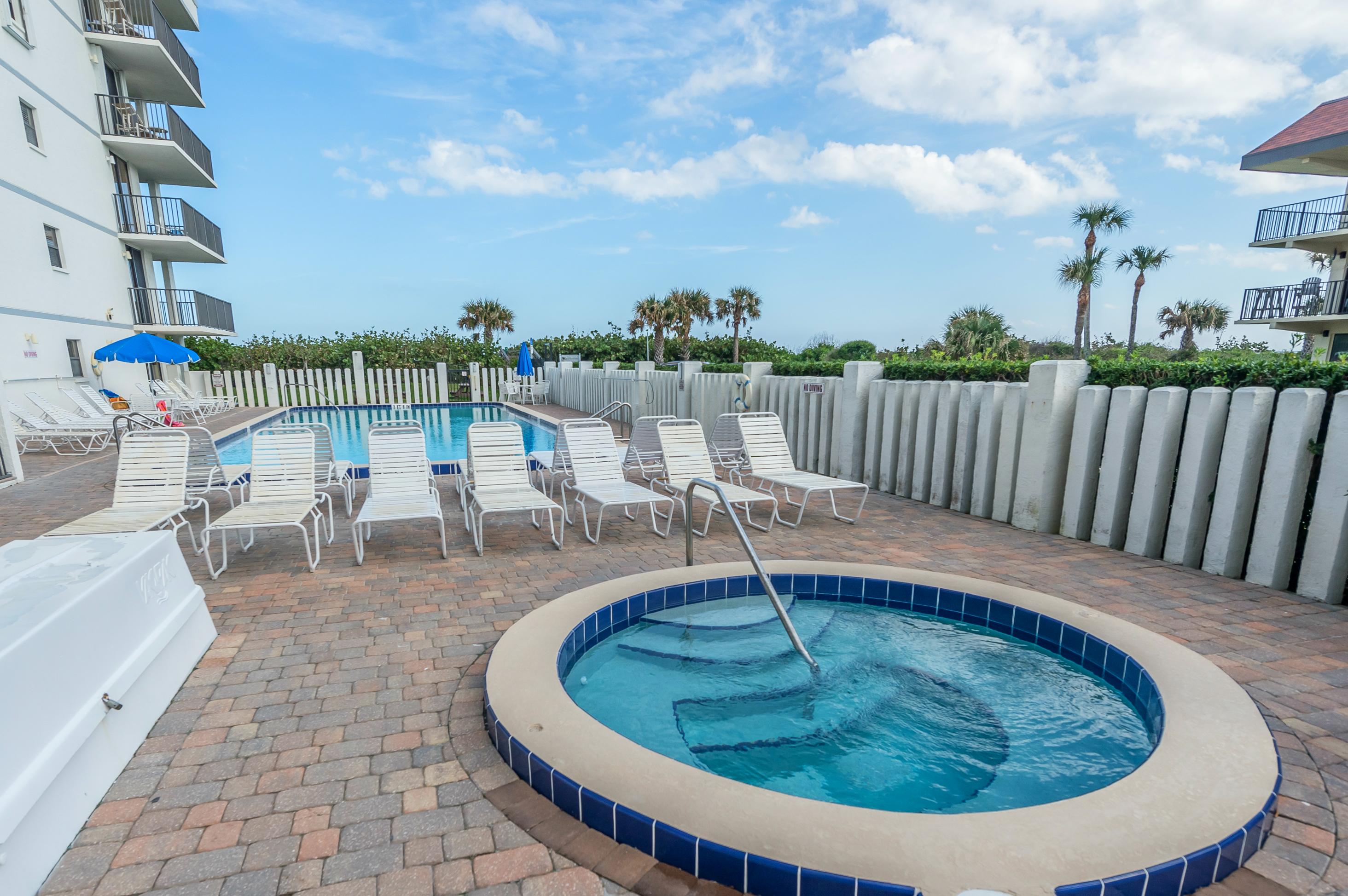 Hot Tub & Pool Area