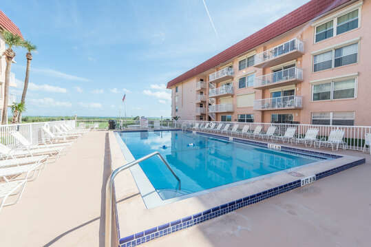 Large heated pool at the complex with views of the ocean!