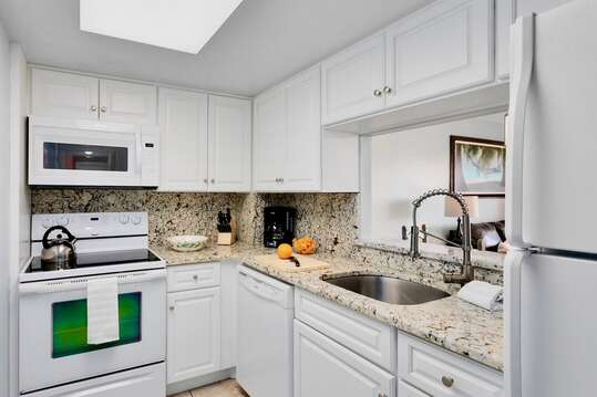 Bright kitchen with everything you need