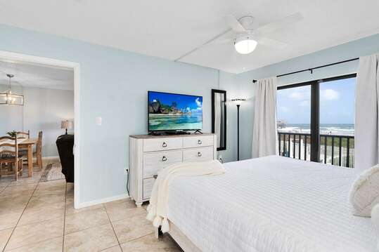 You can see the famous Cocoa Beach Pier right from your bed