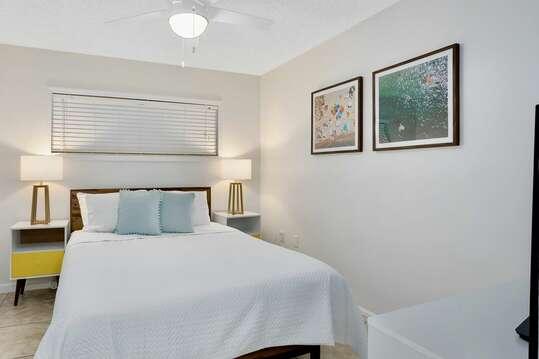 Guest bedroom with new queen bedroom set.