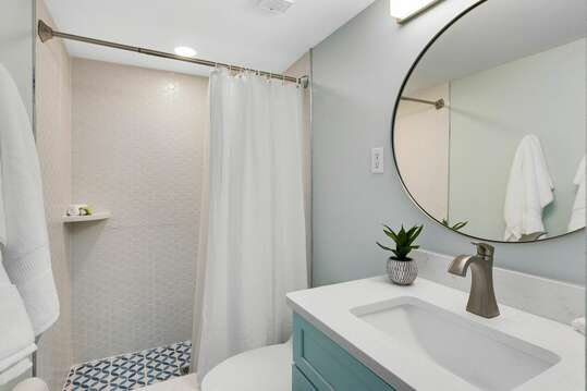 Bright and clean bathroom.