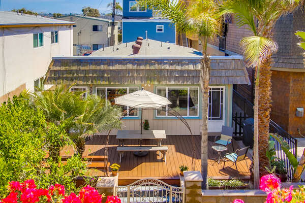 Exterior Picture of our Beach House Rental Mission Beach.