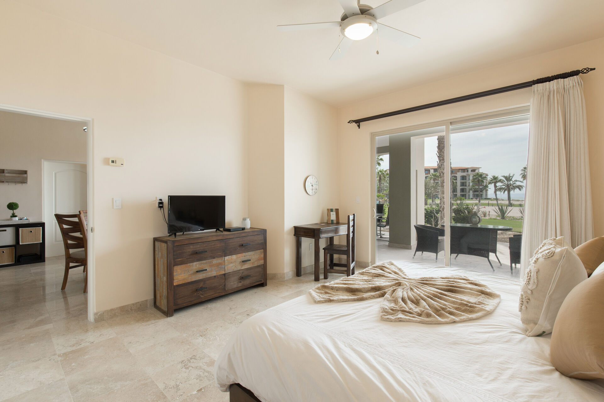 Guests room with two bed and tv with beatiful view