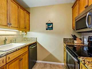Fully Equipped Kitchen with Plenty of Cooking and Prep Space