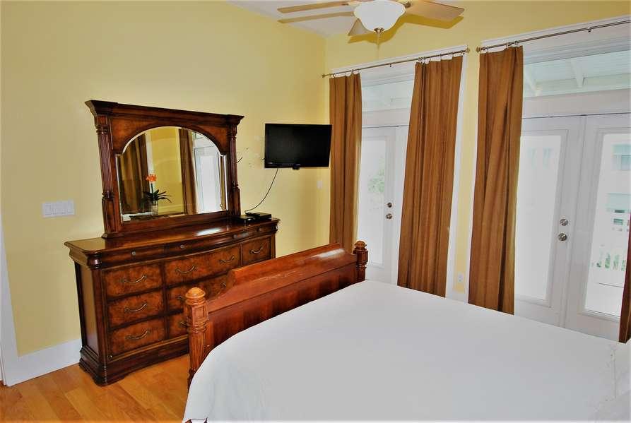 3rd Bedroom; Queen size bed3rd Floor3rd Floor