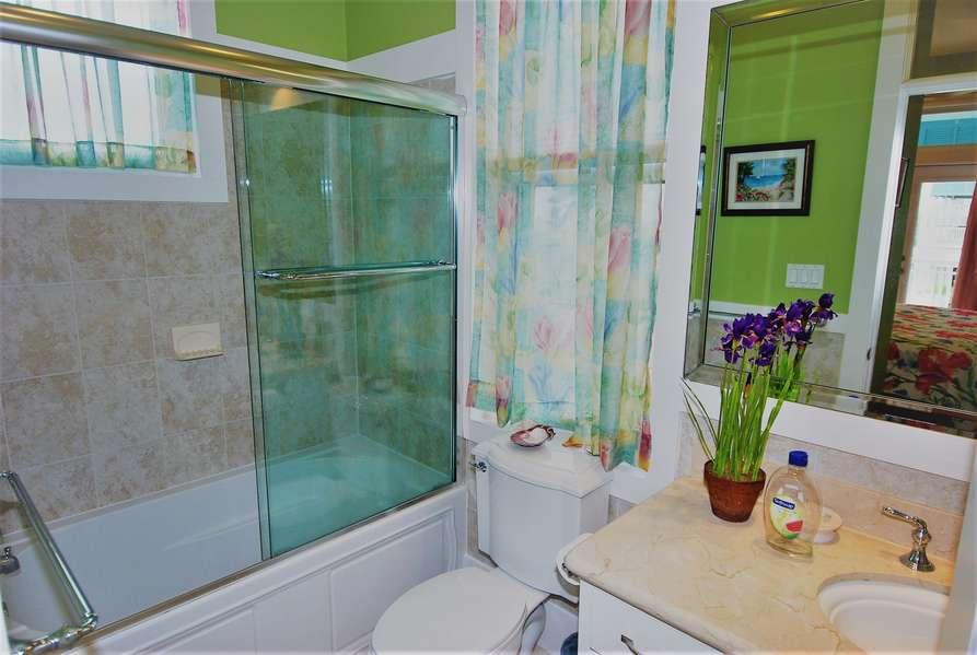 2nd Bathroom2nd Floor
