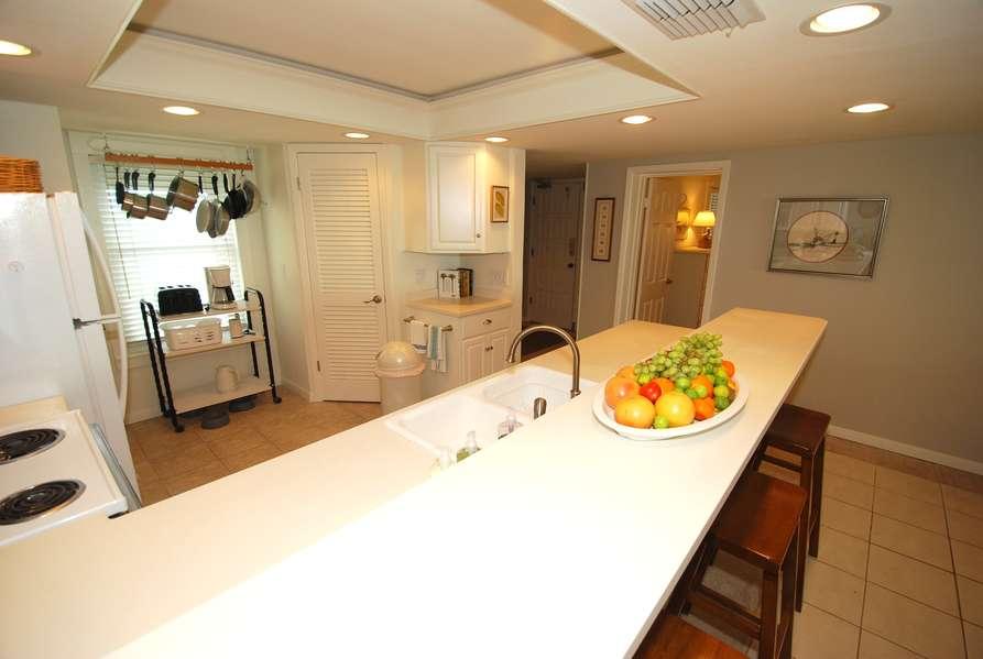 Kitchen/ Bar