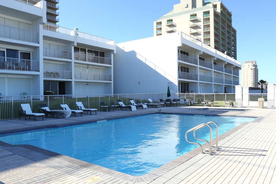 Breakers swimming pool