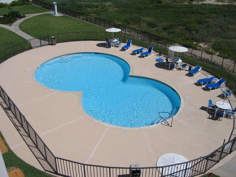 2 Separate Pool Area, 1 Hot tub Area