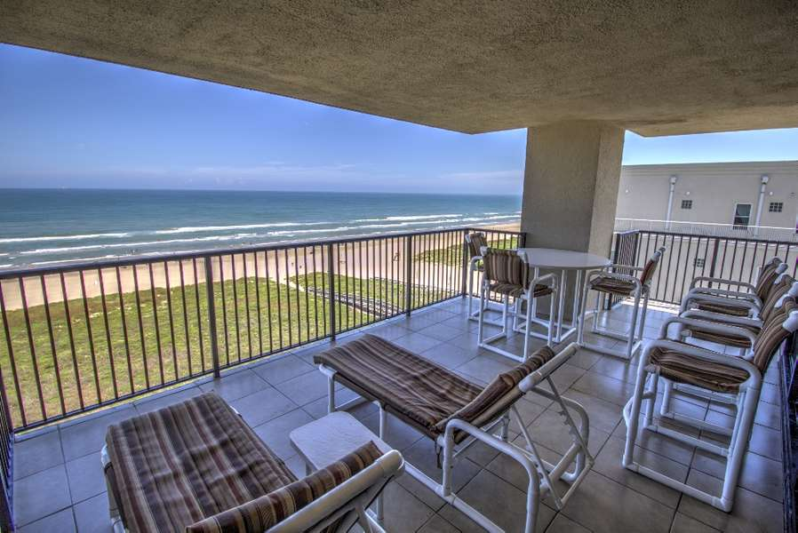 9th Floor beachfront condo Full Ocean View