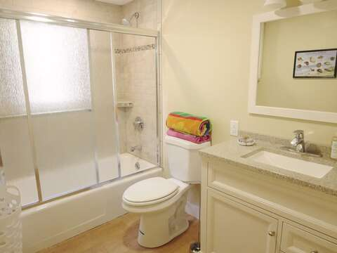 Full Bathroom #2 with Tub and shower combo. 80 Landing Lane Chatham Cape Cod - New England Vacation Rentals