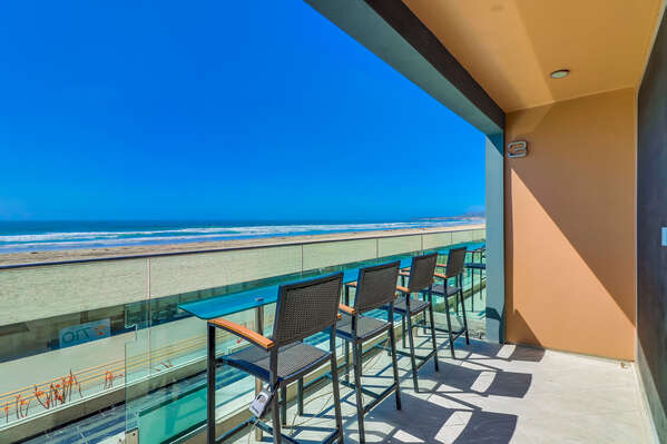 Outdoor patio overlooking Oceanfront Walk