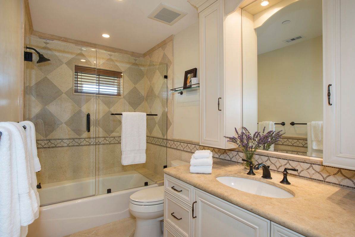 en sute Master Bathroom