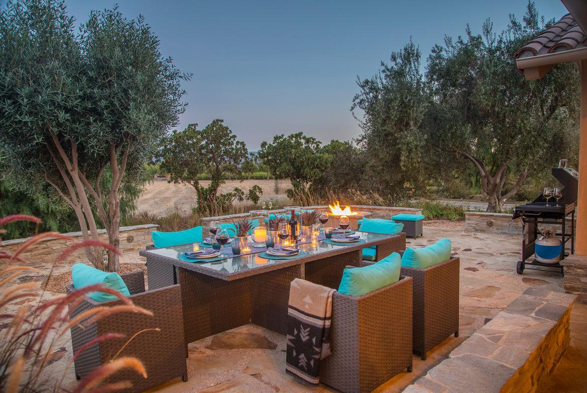 Come enjoy a stay at Vineyard Retreat!