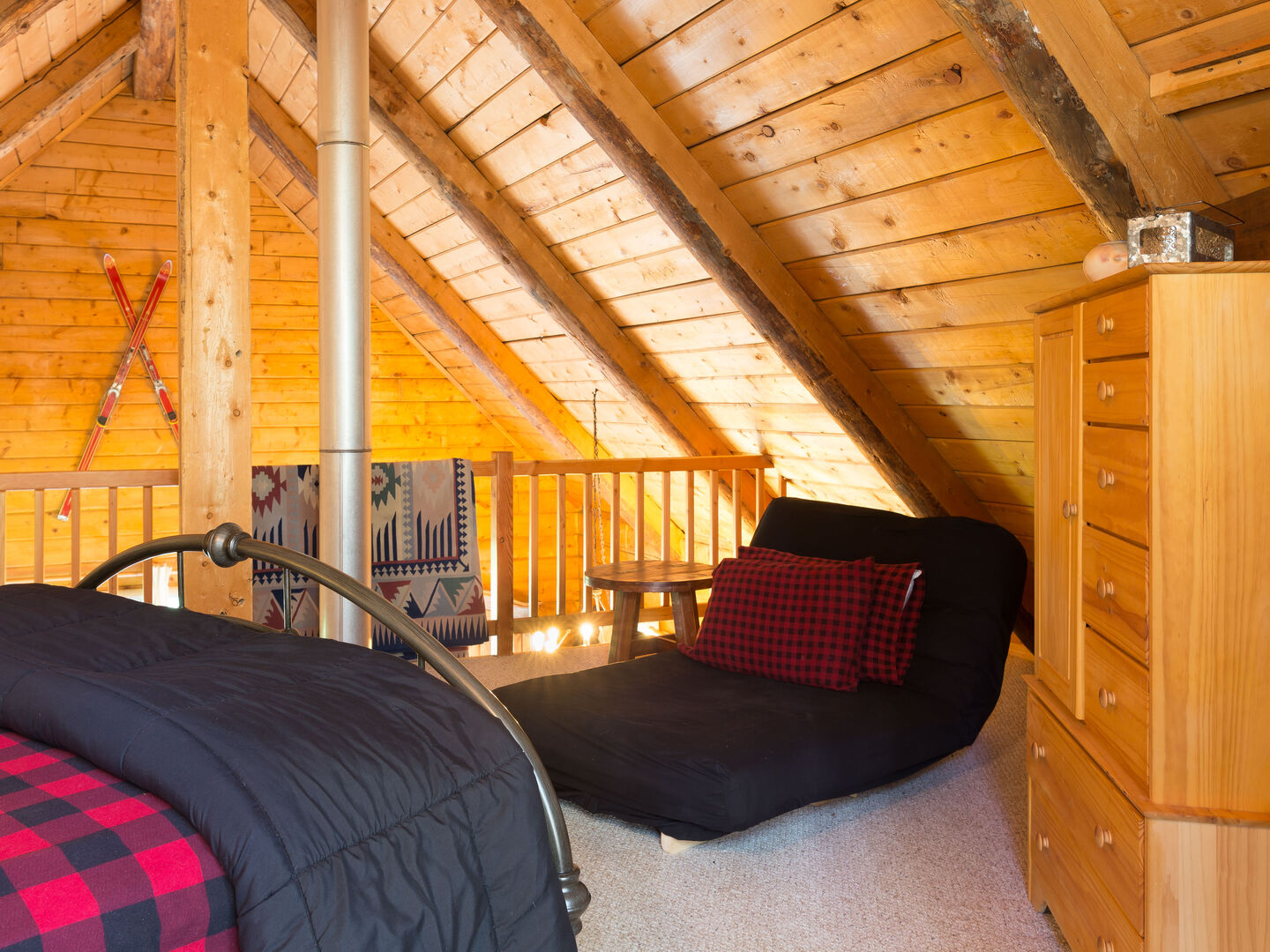 Loft with queen bed and pull-out futon