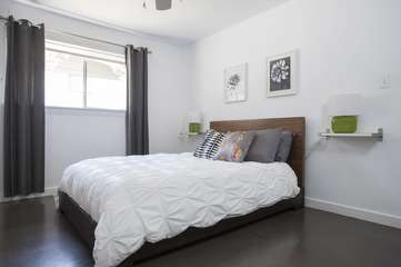 Bedroom #1: Queen bed with Memory Foam Mattress and high-quality linens.