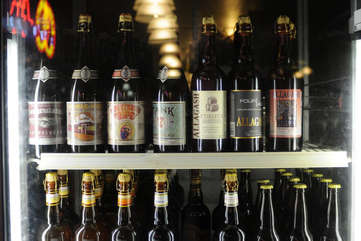Walk to whip-in for local brews, live music, a wine bar, yummy food plus beer & wine to go.