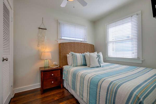 Apartment Bedroom, Queen - Second Floor