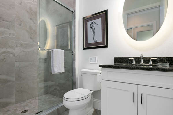 En suite bathroom with a walk-in shower