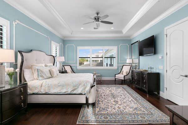 Atlantic Ocean Suite has a king size bed, en suite bathroom, and SMART TV