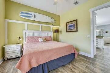 (King) Bedroom on Main Level