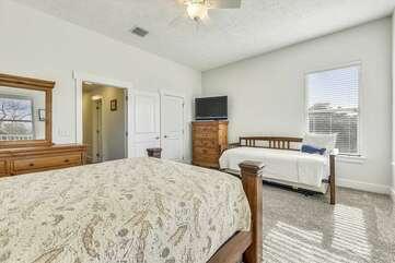 (Queen/Twin) Bedroom on Second Level w/balcony