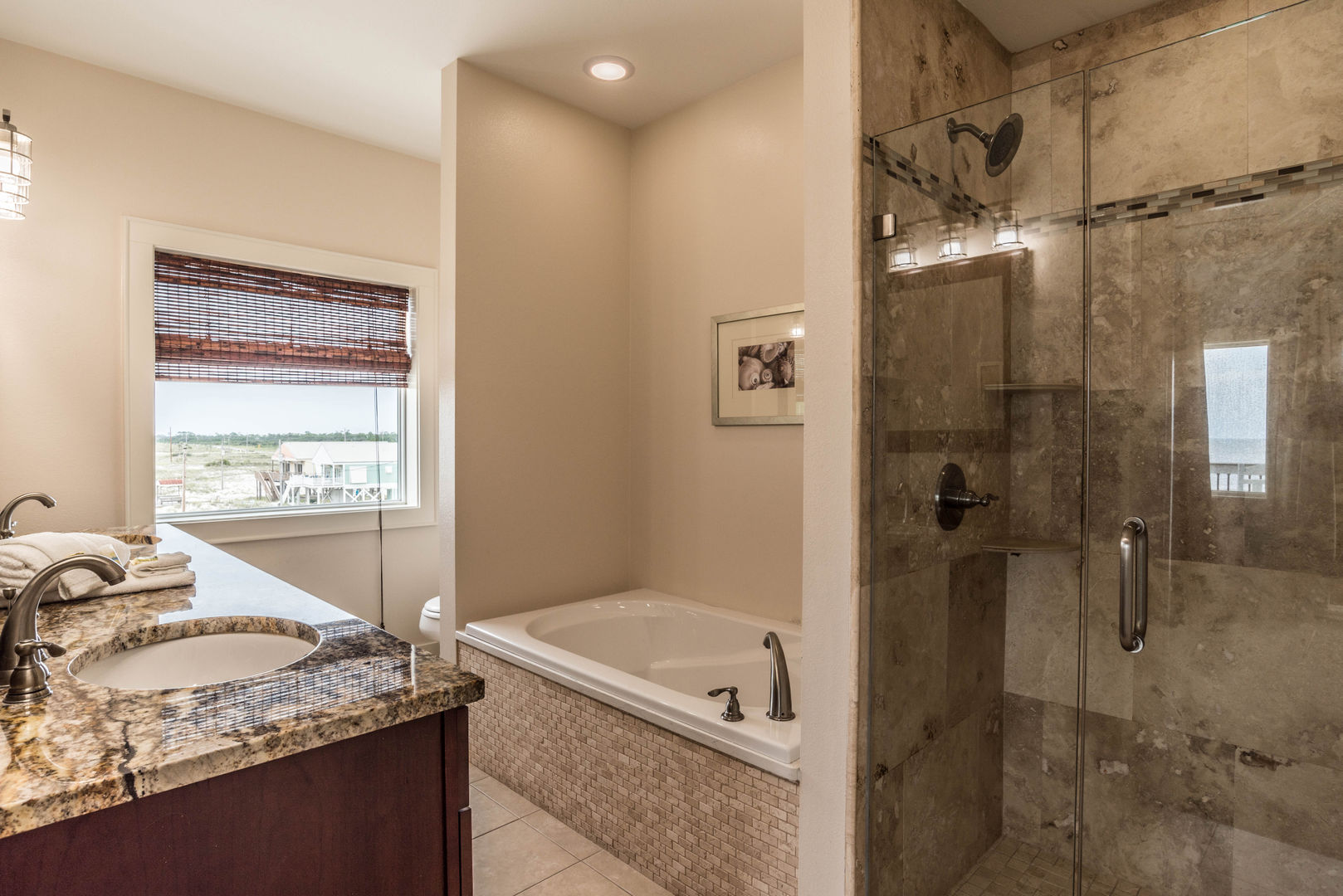 Additional Bathroom with Separate Shower and Tub