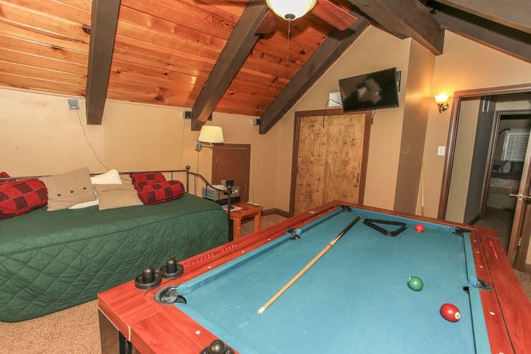 4th Bedroom / Game Room