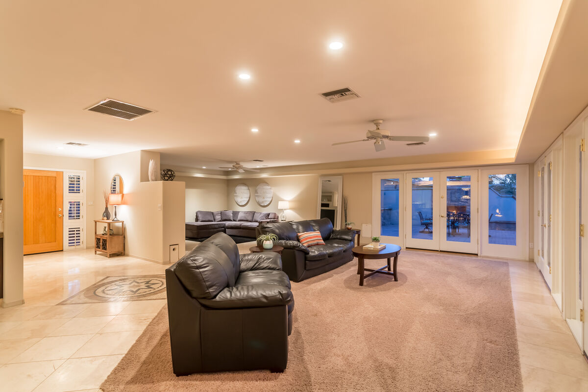 Take a seat, strike up a conversation, play a game, enjoy this great room!