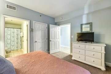 Big comfortable bed in main room