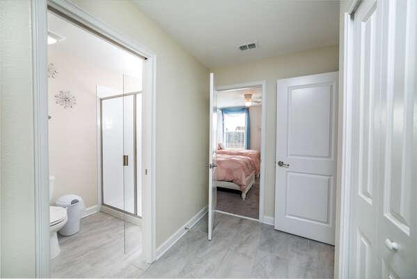 Upstairs Connecting Bathroom