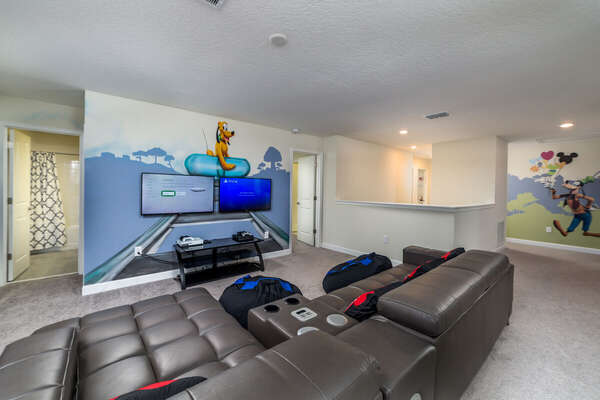 Upstairs Living Area with Dual Console Playstation 4 Pro and XBox