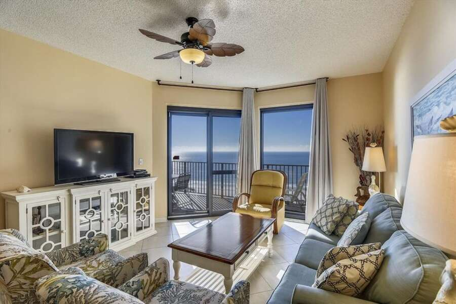Spacious Living Room with Balcony access, Queen Sleeper Sofa and beautiful views
