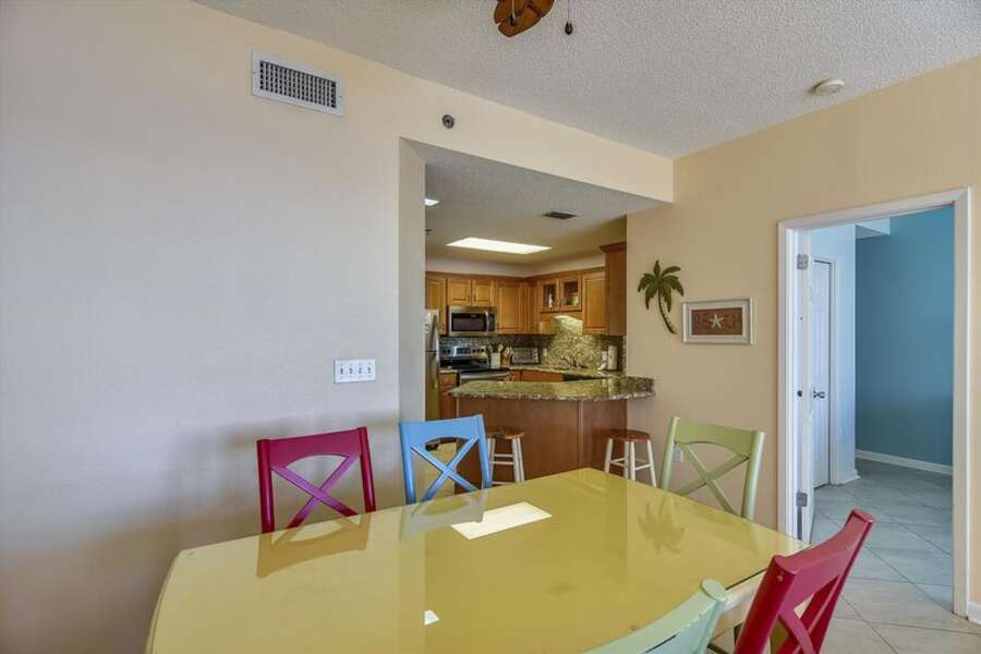 Dining Table for 6 and Extra Seating at the Breakfast Bar