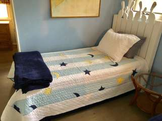 Twin bed also in the loft!